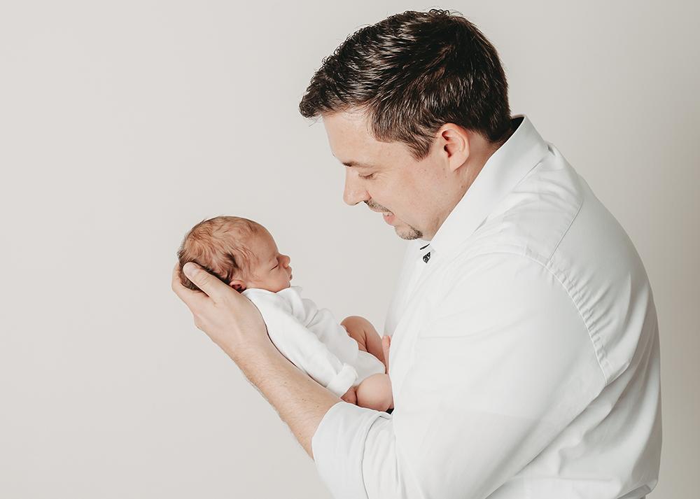 Fotograf für natürliche Babyfotografie